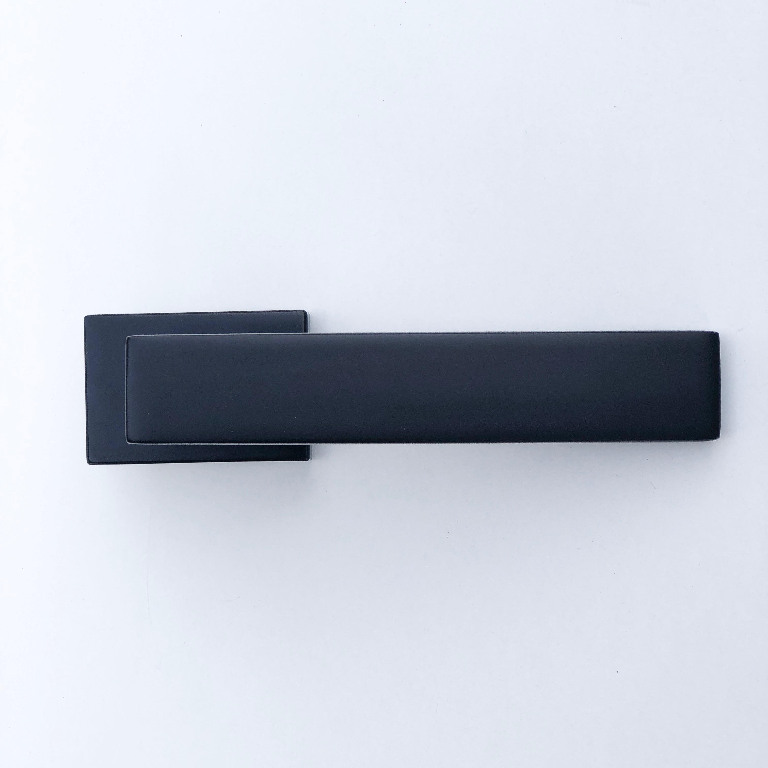 дверные ручки Cube RT черная